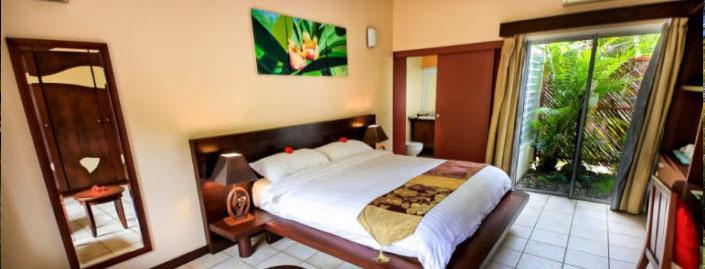 chambre tropicale hotel kou bugny le des pins. Black Bedroom Furniture Sets. Home Design Ideas